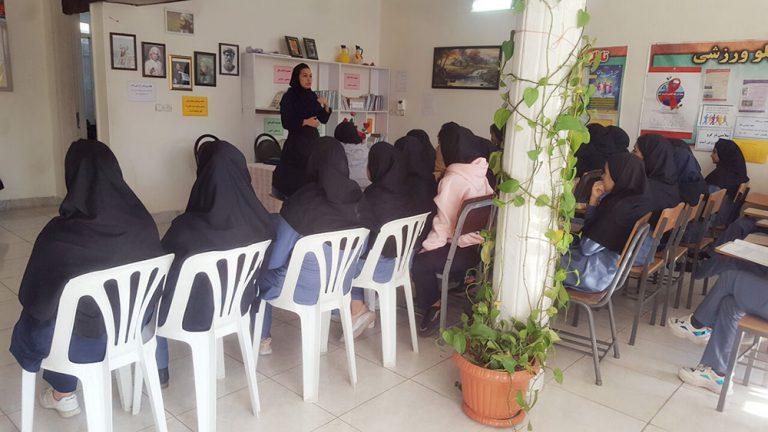 جلسه آموزشی راههای پیشگیری از آنفولانزا با حضور خانم فرشته غراوی
